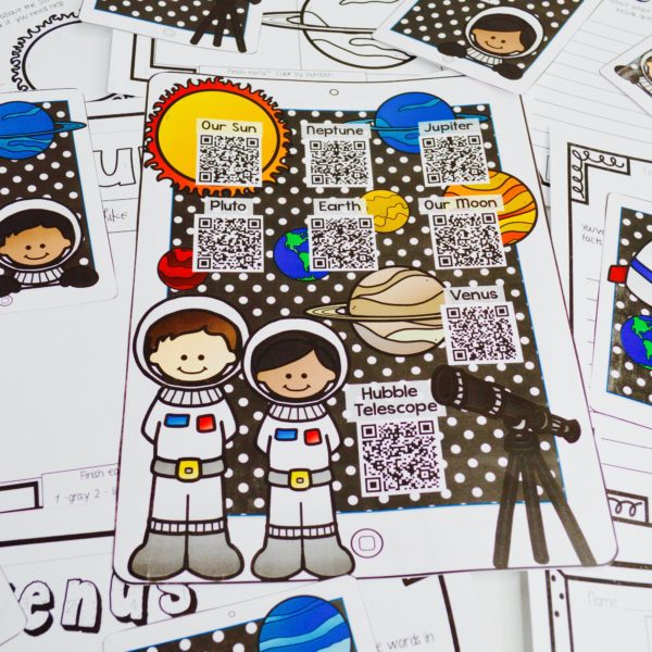 Solar System Listen and Learn - Let your students explore nonfiction text features and information through these fun and engaging QR code listening centers.
